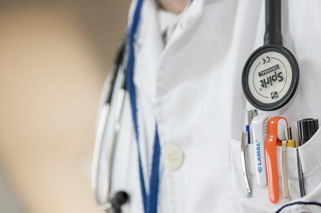 רופא מומחה לבעיות כלי דם