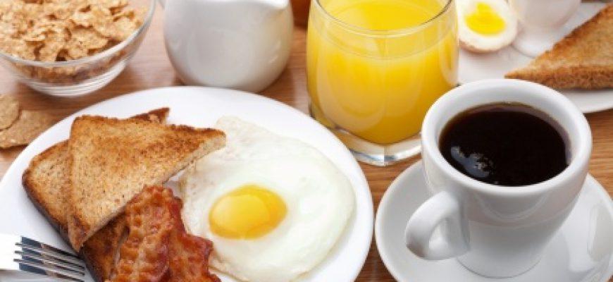 לפנק את סבא וסבתא עם שוברים לארוחת בוקר