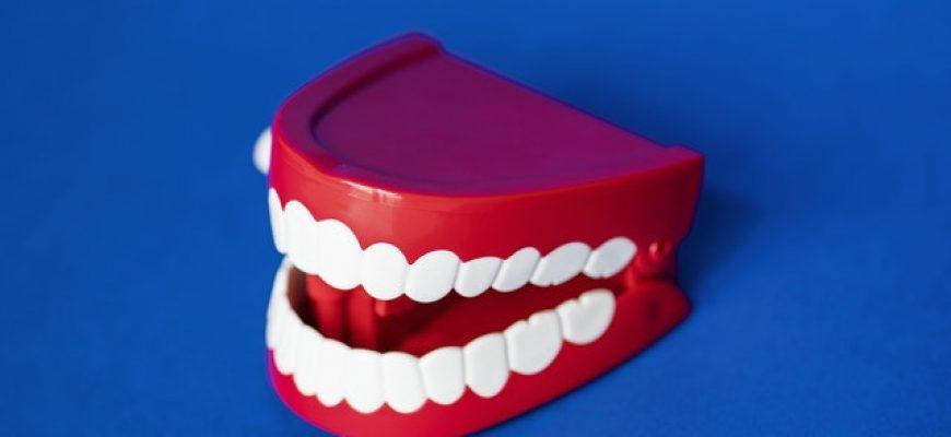 שיניים תותבות? מה האופציות שלכם